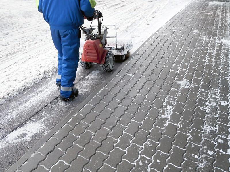 очистка территории от снега спб